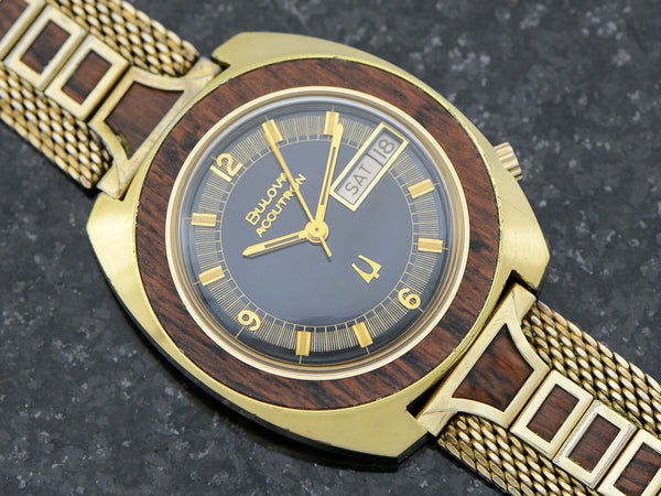 Bulova Accutron Woody 2182