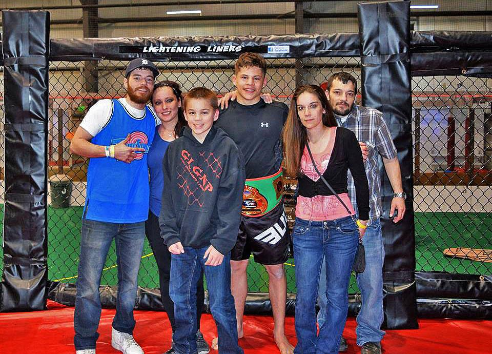 Elite-Sports-Team-Elite-MMA-Fighter-Austin-Daniel-Czenkus-image11