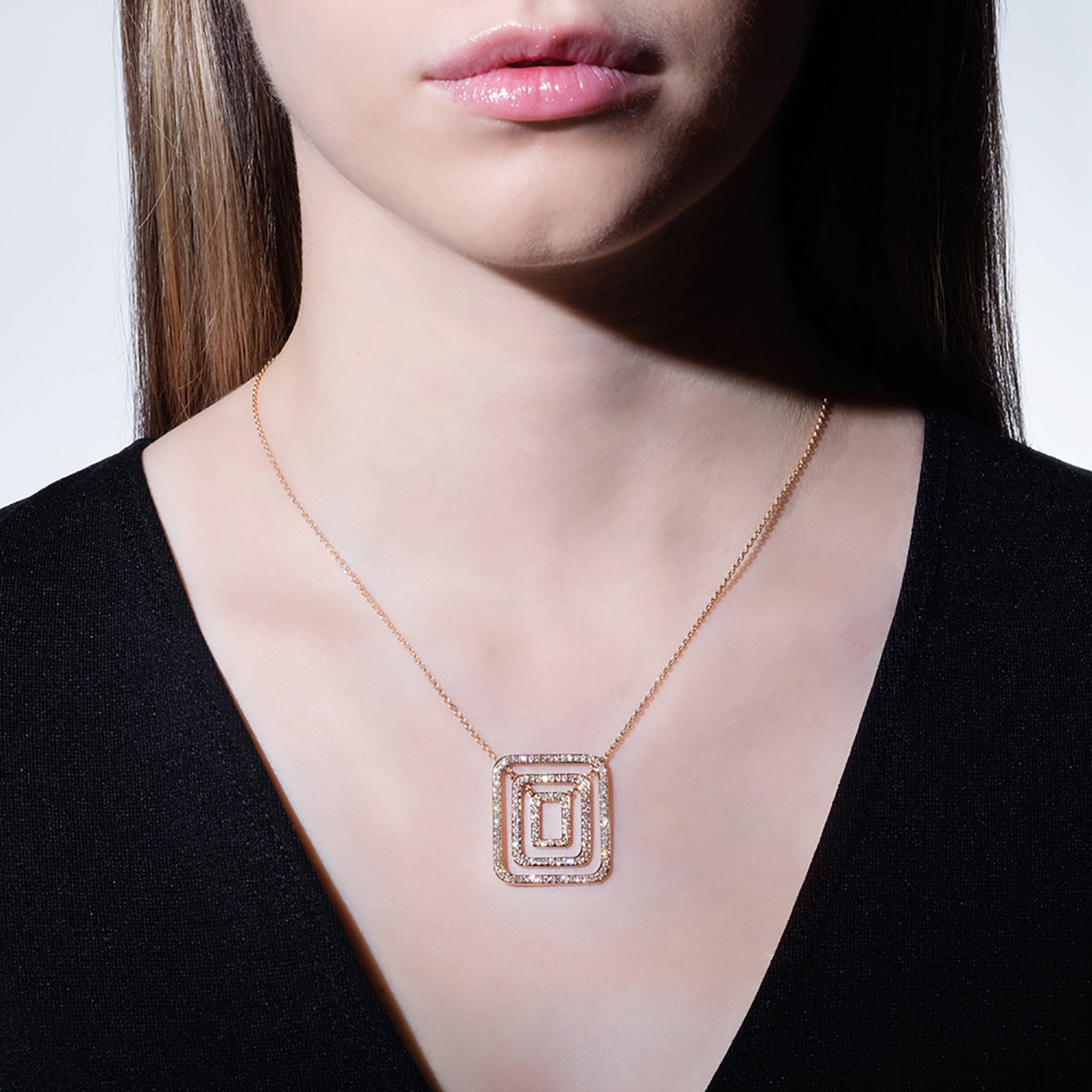 Mimi-So-Medium-Piece-Square-Swing-Necklace-18k-Yellow-Gold