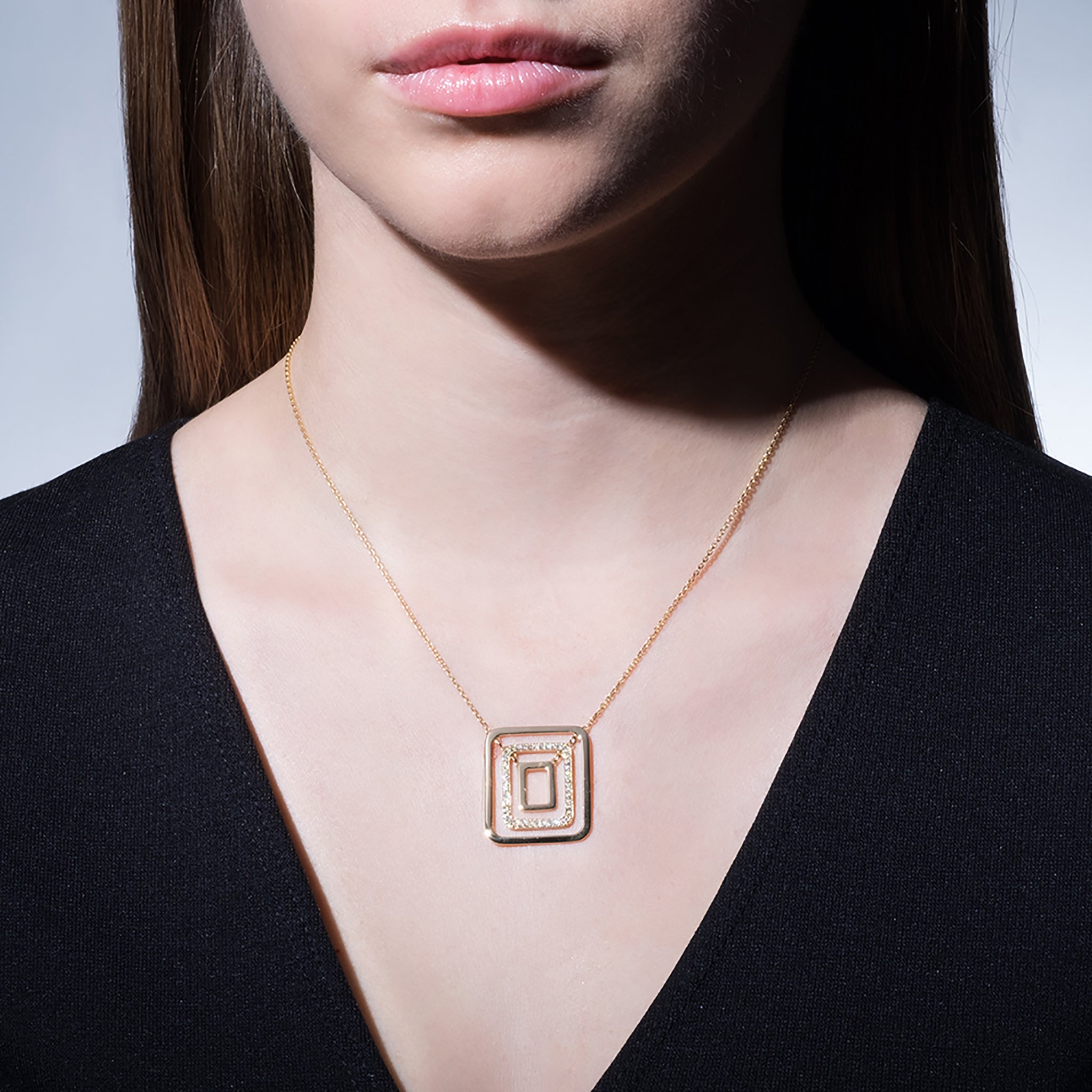 Mimi-So-Piece-Square-Swing-Necklace