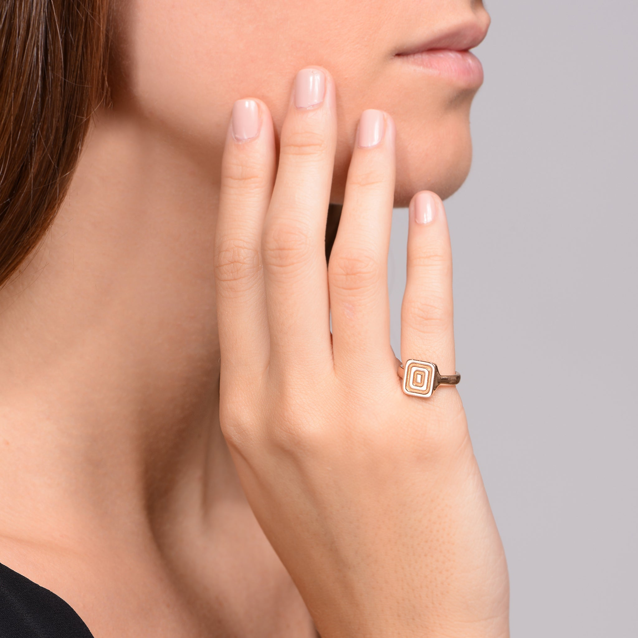 Mimi-So-Piece-Icon-Signet-Ring