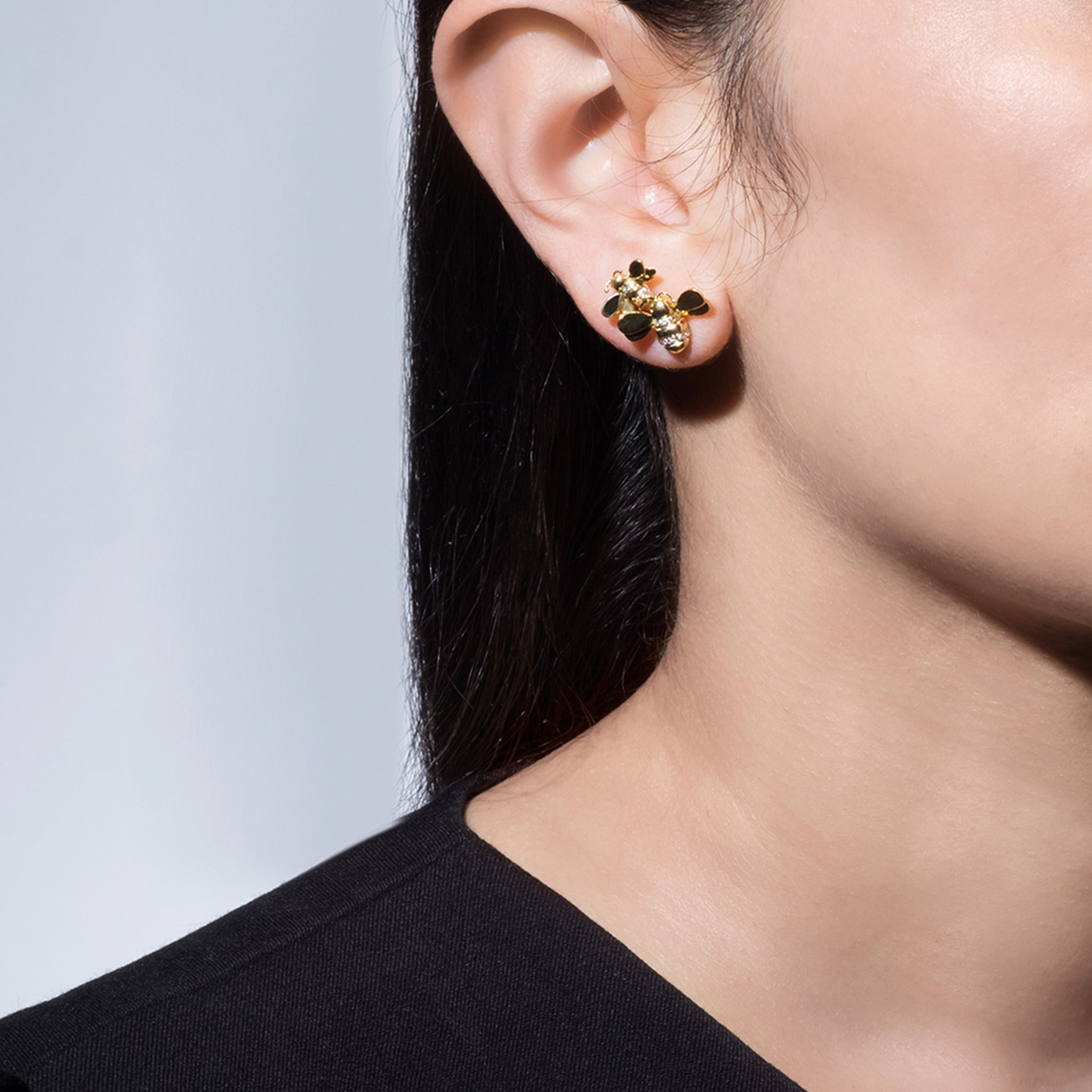 Mimi-So-Wonderland-Bumble-Bee-Stud-Earrings