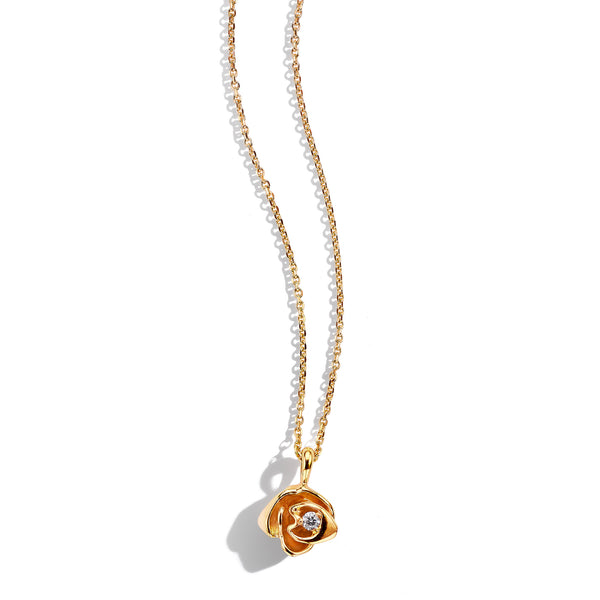 Mimi-So-Wonderland-Rose-Pendant-Necklace_18k Yellow Gold