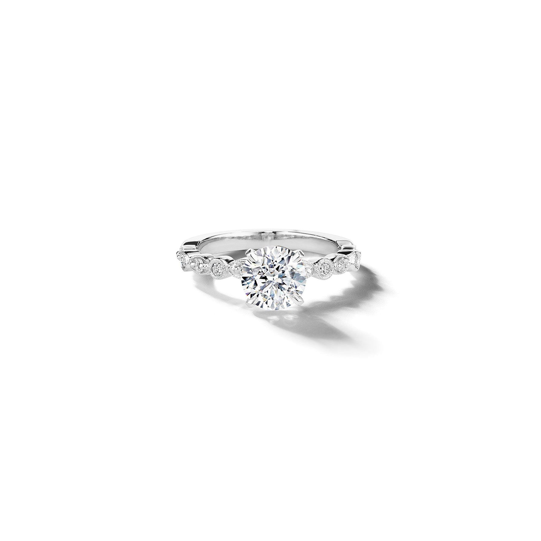 Mimi-So-Madrid-Diamond-Engagement-Ring_Platinum