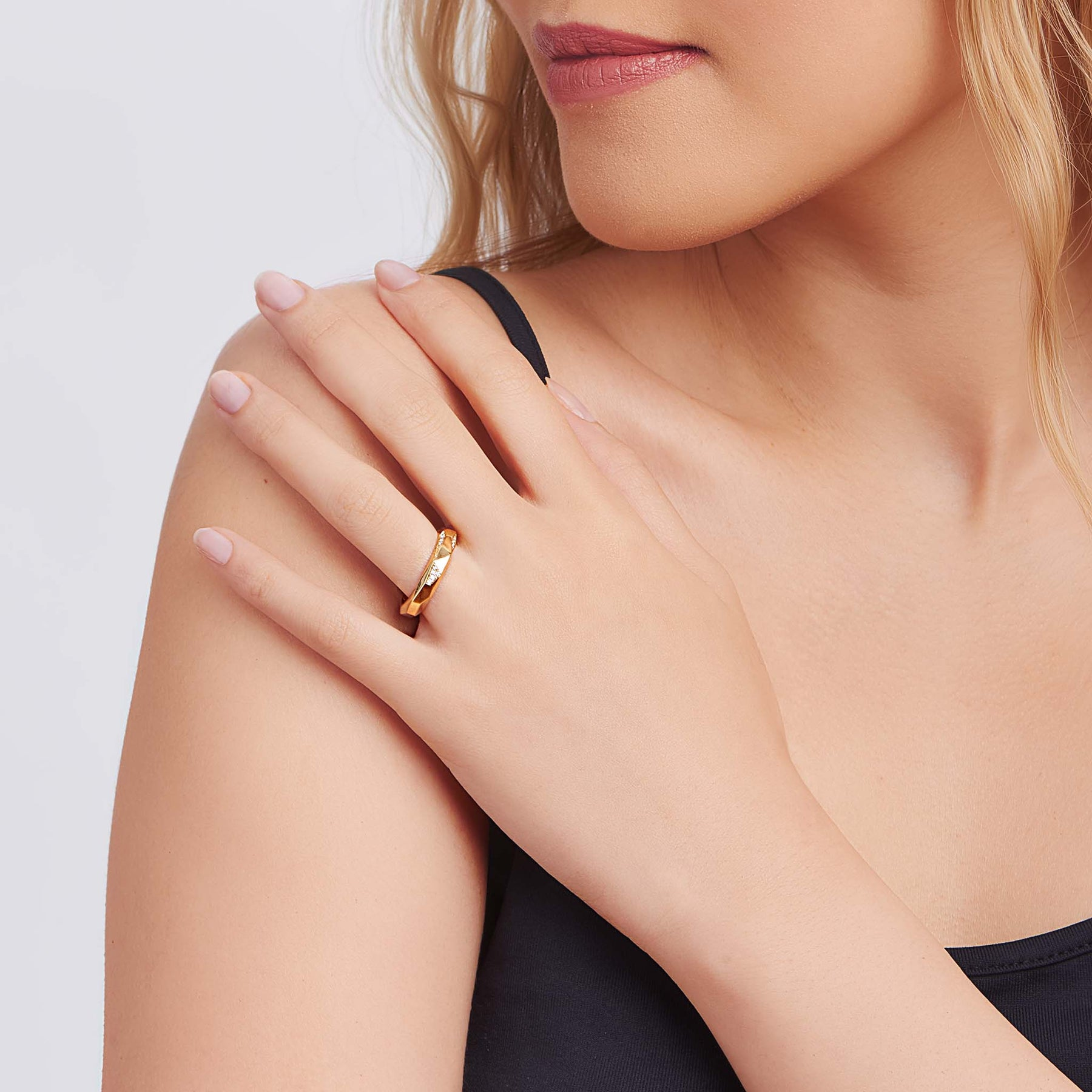 Jackson Switch Stackable Diamond Ring_18k Yellow Gold