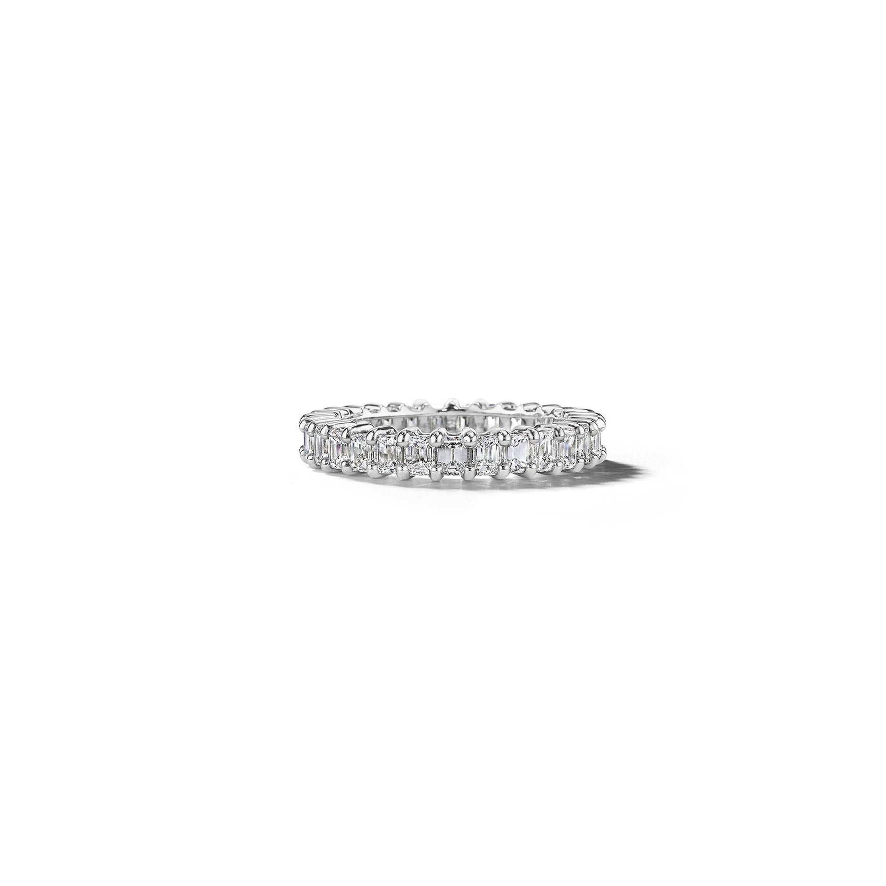 Mimi-So-Bridal-Emerald-Cut-Diamond-Eternity-Band_Platinum