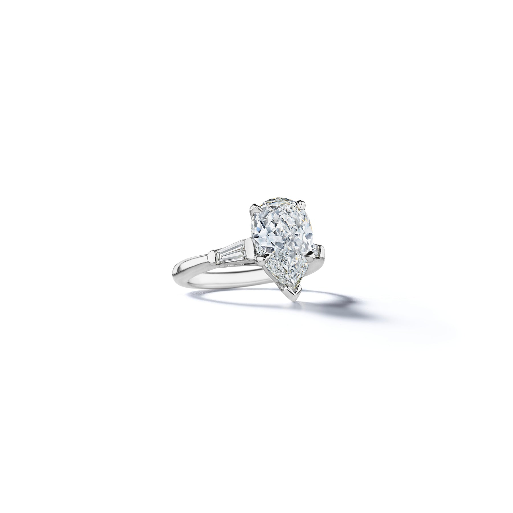 Charlton Pear Baguette Diamond Engagement Ring_Platinum