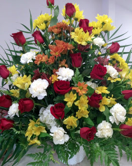 F14 - Basket or Vase Arrangement