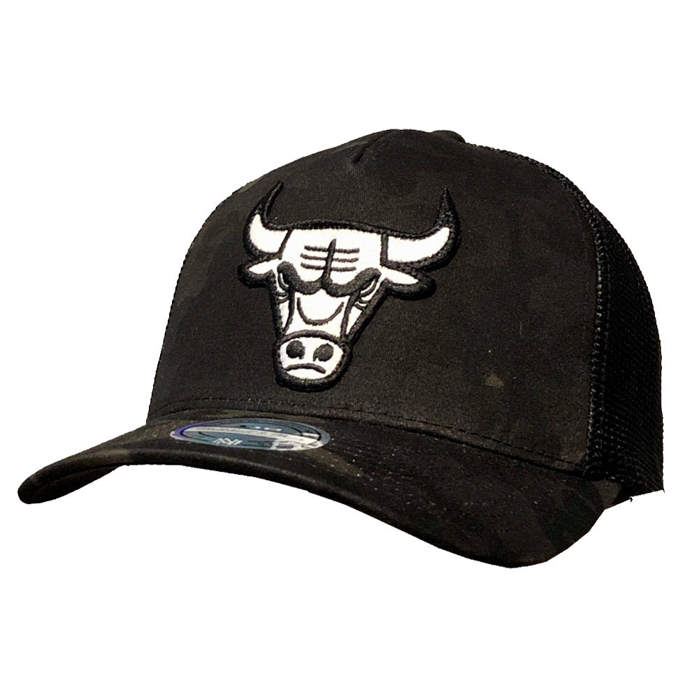 Mitchell & Ness - Chicago Bulls Trucker Cap - Black Multicam
