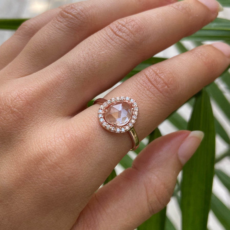 Deanna Halo Ring With Quartz in Yellow Gold