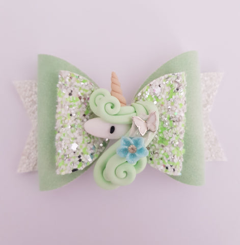 Garden unicorn bow
