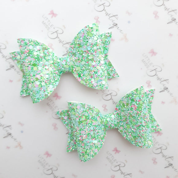Crushed Mint Bows