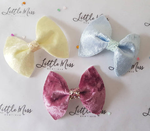 Small Velvet Pinch Bows