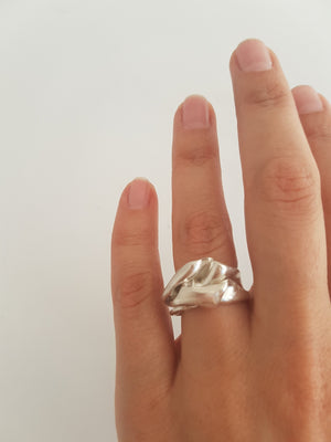 original ring in sterling silver with a wave shape - elegant cocktail ring for women