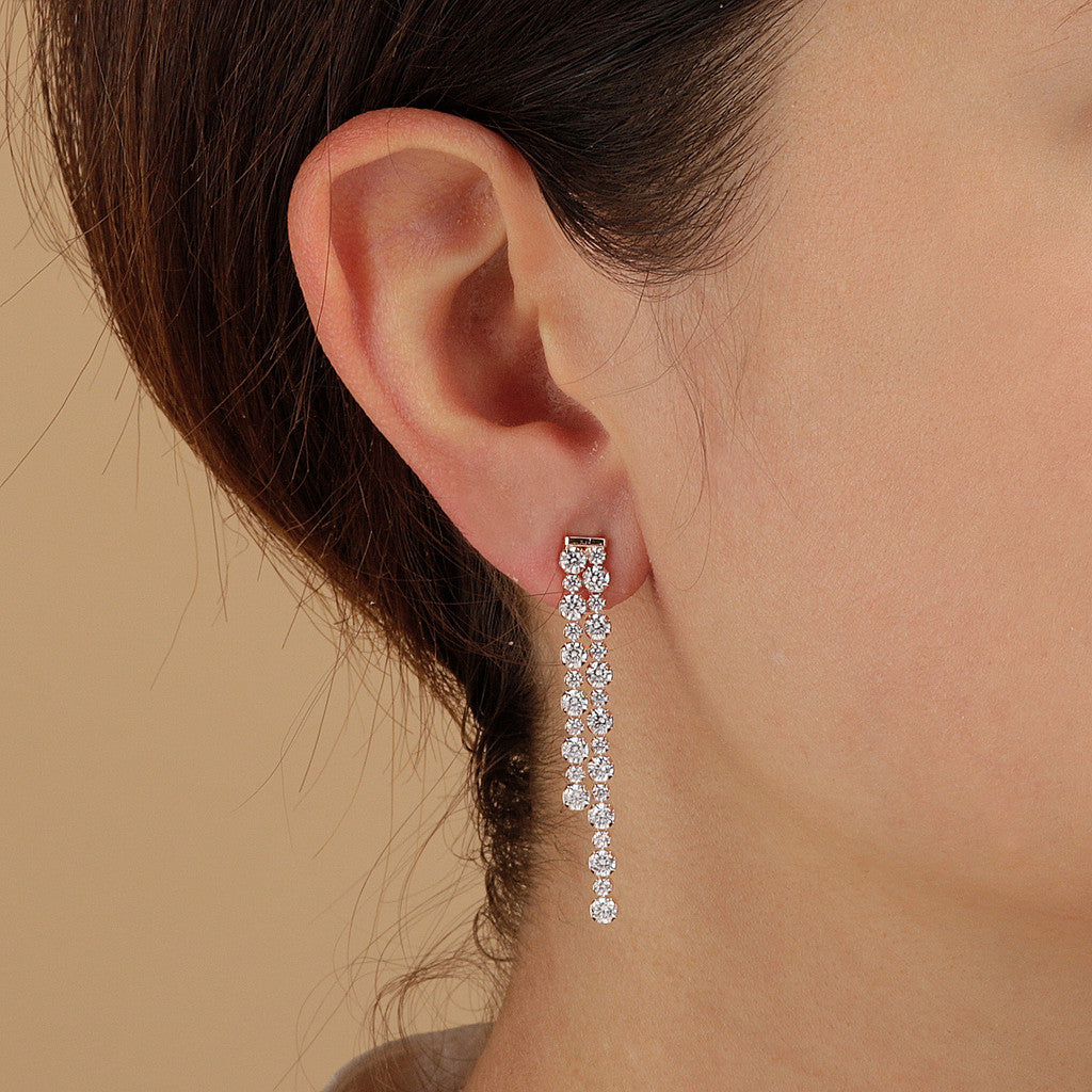 ALTISSIMA ALTERNATE TENNIS GEMSTONE EARRINGS - WSBZ01589 indossato