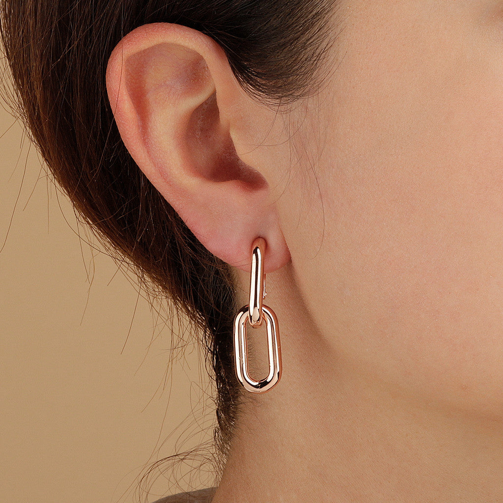 PUREZZA DANGLE EARRINGS - WSBZ01626 indossato