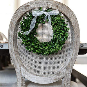 Olive Branch Home Preserved Boxwood Wreath With Gift Box, Large Indoor Year Round Green Wreath (20 Inch Round)