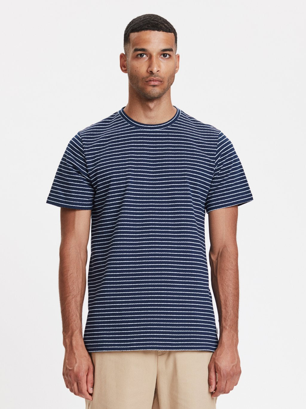Fiji T-shirt | Navy Stribet