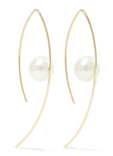 Load image into Gallery viewer, Akoya Pearl Earrings