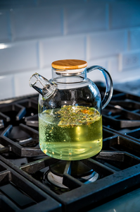 The Overachiever: Combination Teapot Kettle with Built-In Strainer