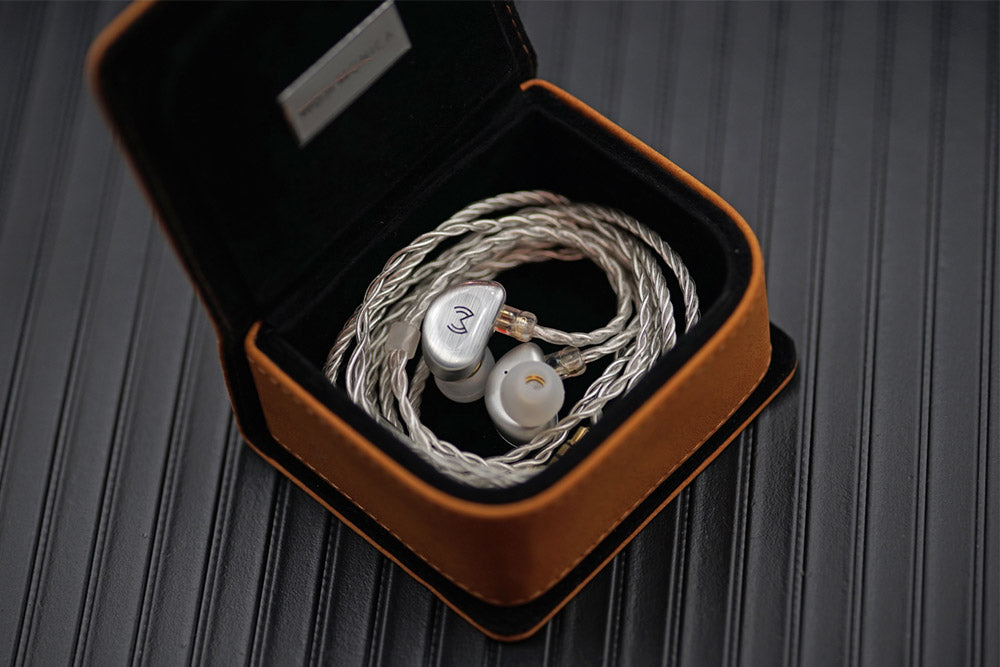 MOJI MONICA H2O Liquid Silica Gel DD+2BA HiFi Customized Music Monitor Studio Audiophile Musician 2Pin 0.78mm Earphones Earbuds
