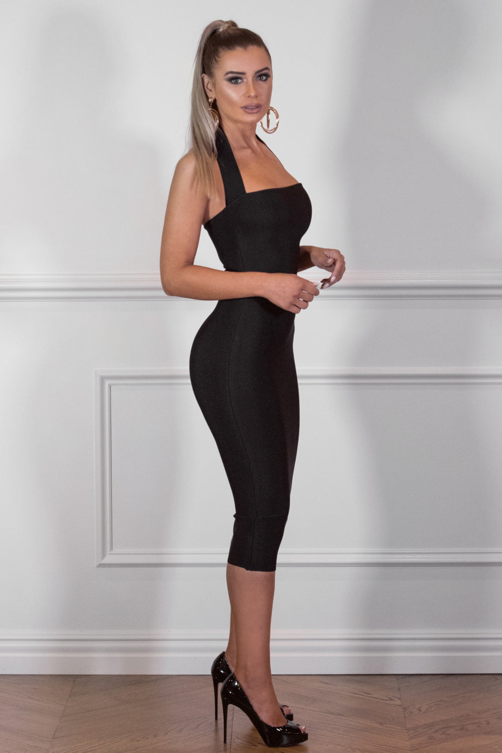 Side View of UNIQUE – Black Dress