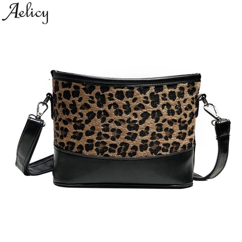 Plush Tide Leopard Wild Shoulder bags