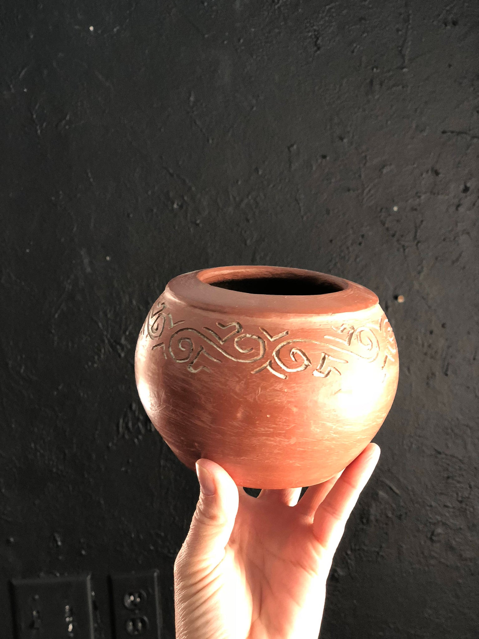 Red Clay Pot. Handmade Mexican Pot. Carved pottery. Stone rubbed slip pottery. Mexican Indian Pottery. |CuriousMooseVintage