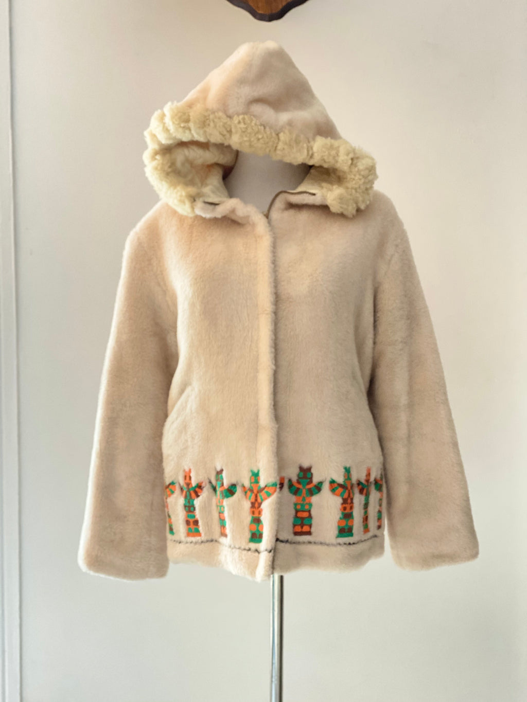 60's Faux White Fur Parka Jacket by Lydia Kul-E-Tuk with NW Totem Designs and Sheepskin Shearling Trim on Hood Size Women's Small.