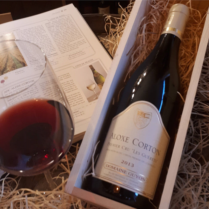 Case with Aloxe Corton Premier Cru exclusive wine from Bourgognes