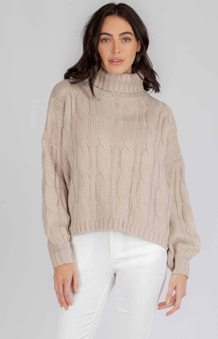 DONNA OVERSIZED TURTLENECK CABLE KNIT-LATTE