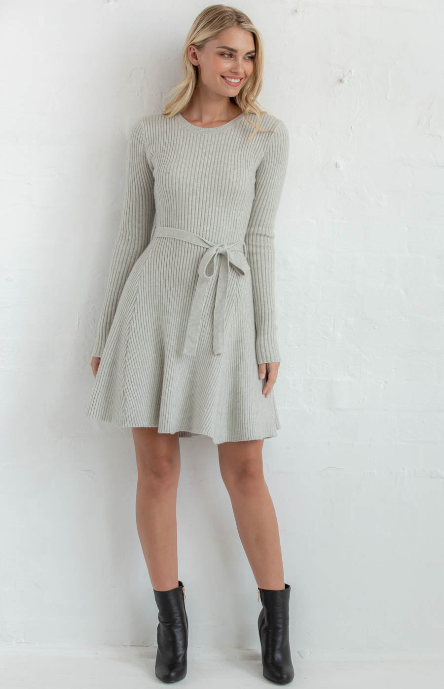 EMILY ROUND NECKLINE KNIT DRESS WITH BELT