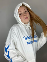 Laden Sie das Bild in den Galerie-Viewer, Statement Hoodie - Weiß-Special Offer!!