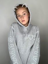 Laden Sie das Bild in den Galerie-Viewer, Balys Sleeve Hoodie - Grau