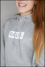 Laden Sie das Bild in den Galerie-Viewer, BALYS BOX Hoodie - Grau
