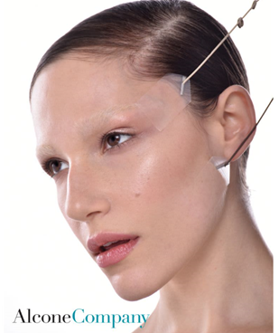 Face Lift String by Mark Traynor