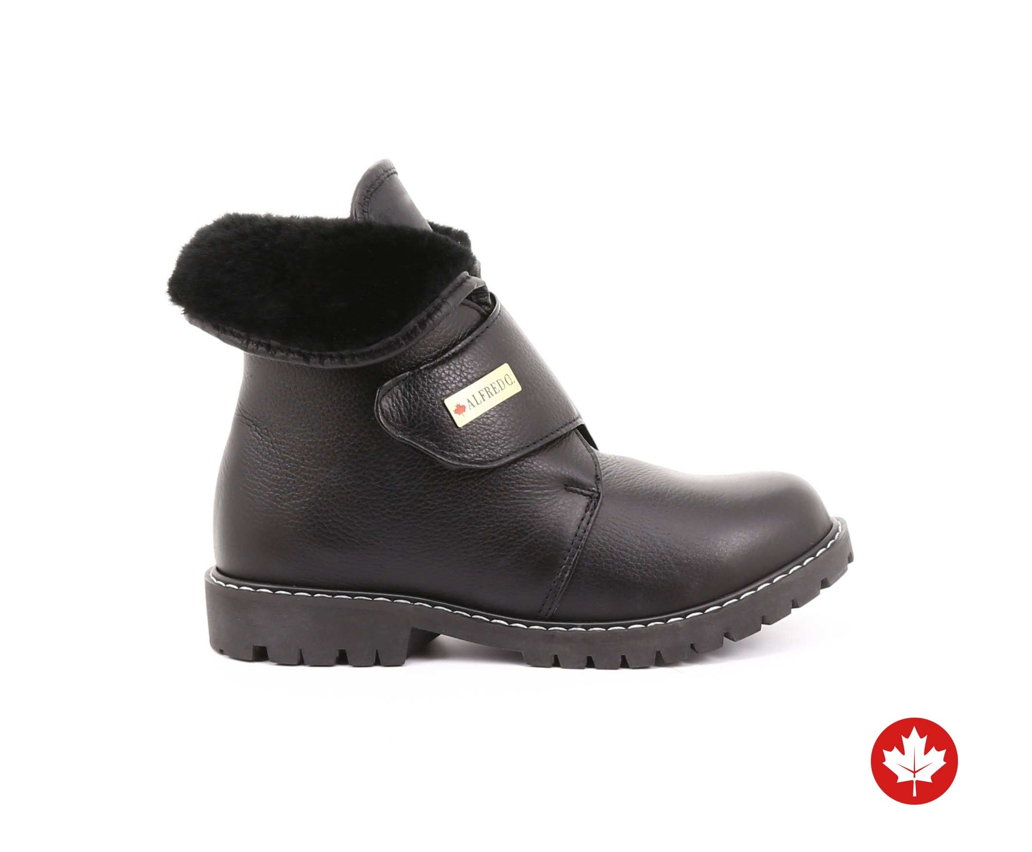 Taffy Women's Winter Boot with Retractable Cleats