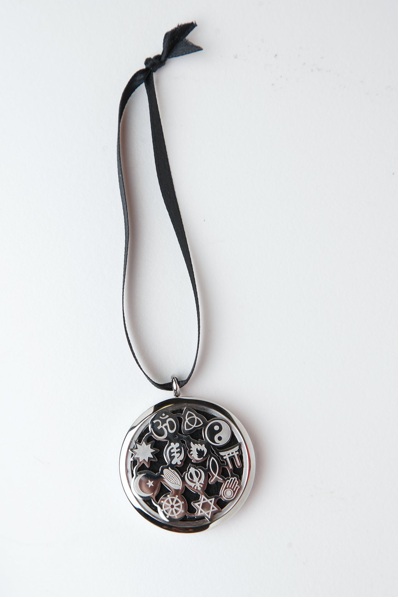 Silver Tone Tolerance Stainless Steel Hanging Diffuser