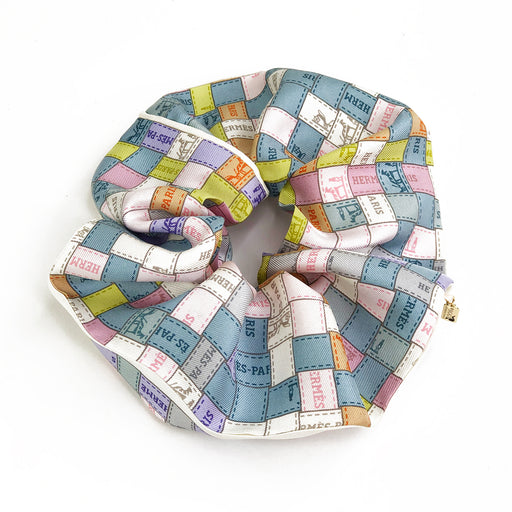 MAXI Hermès Vintage Scarf Scrunchie made from 'Bolduc Au Carre' in Pastels
