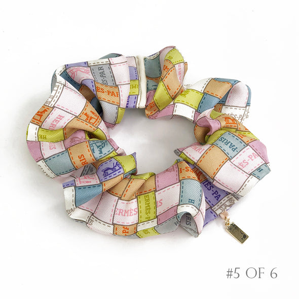 Hermès Vintage Scarf Scrunchie made from 'Bolduc Au Carre' in Pastels