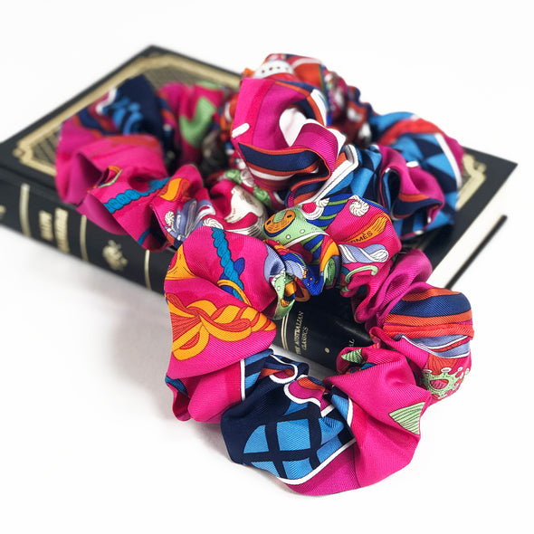 Hermès Vintage Scarf Scrunchie made from 'Bouquets Sellier'