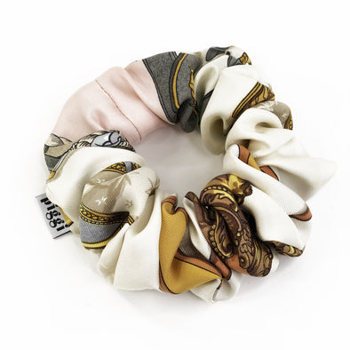 Hermès Vintage Scarf Scrunchie made from 'Museè' in Pink & Ivory