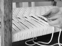 Weaving the weft of the dog bed
