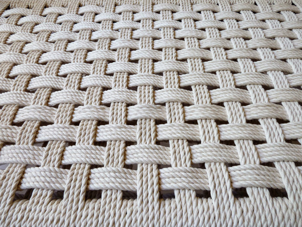 Rope webbed weave of the dog bed