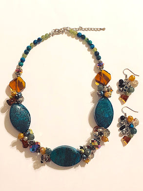 Mixed Stones Collar Necklace Set.