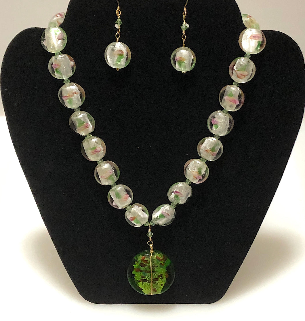 Natural Beaded Christmas Motif Necklace Set.