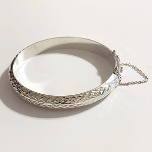 Sterling Silver Etched Hinged Bangle.