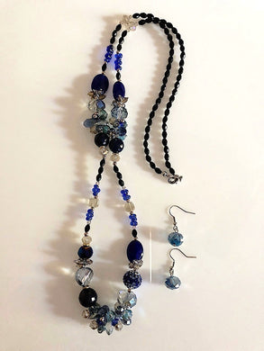 Blue Iridescent Crystals and Beads Necklace Set.