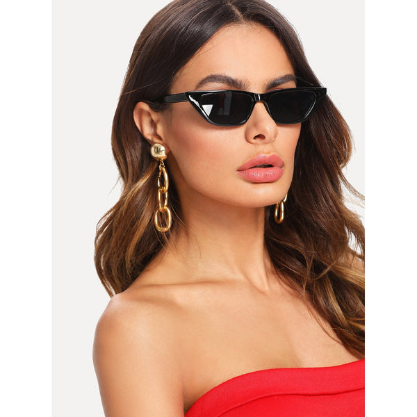 Sunglasses - Women's Trendy Black Cat Eye Mirror Lens Sunglasses