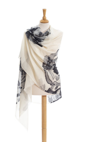 Scarves - Women's Trendy Black And White Scarves